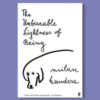 390 - The Unbearable Lightness Of Being - O livro que a Alexia está lendo